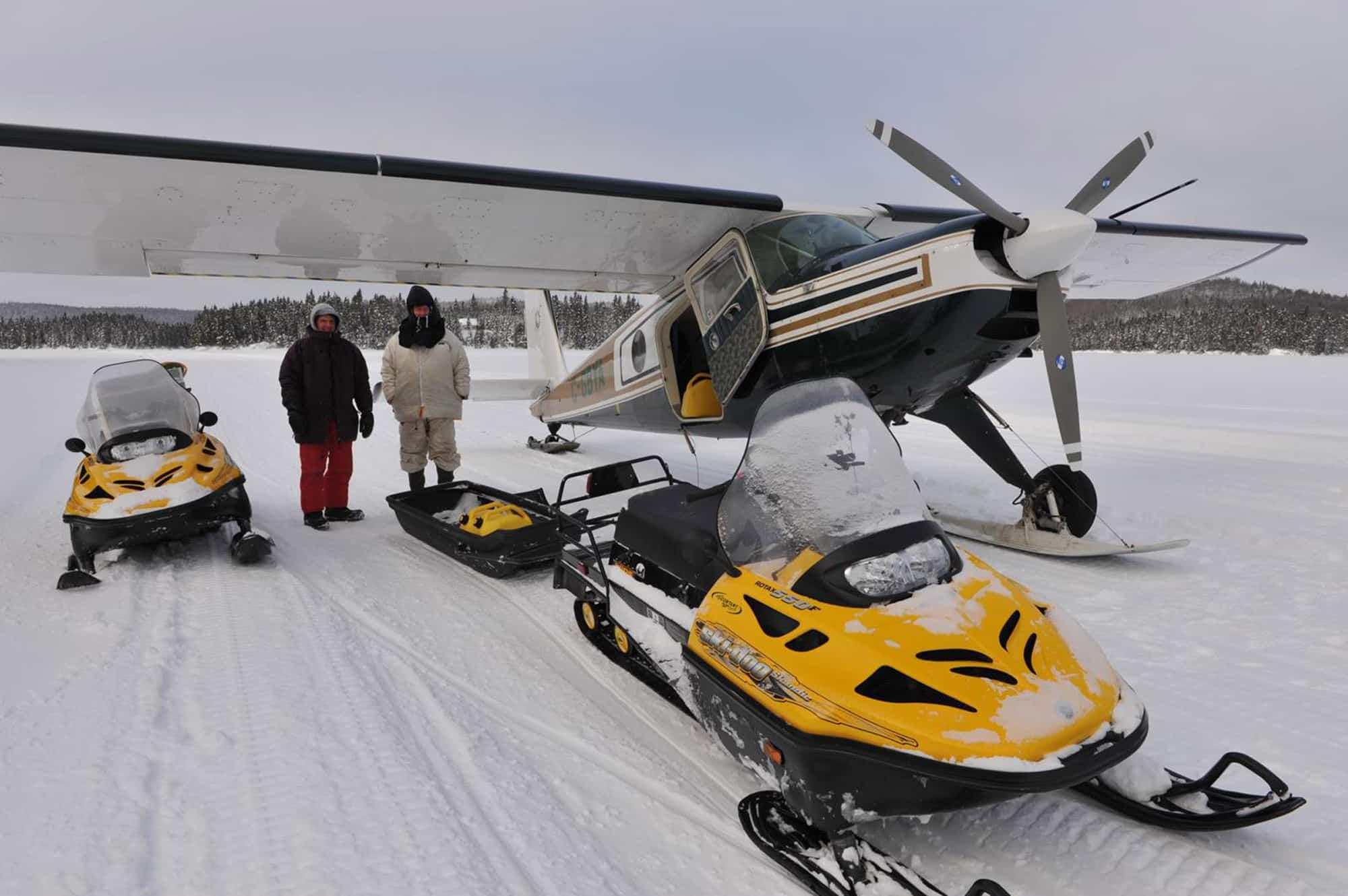 Voyage en motoneige sur le lac Québec