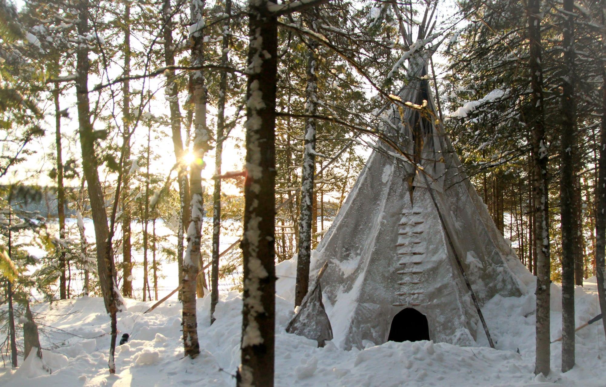 Chez les Indiens Cris. Québec