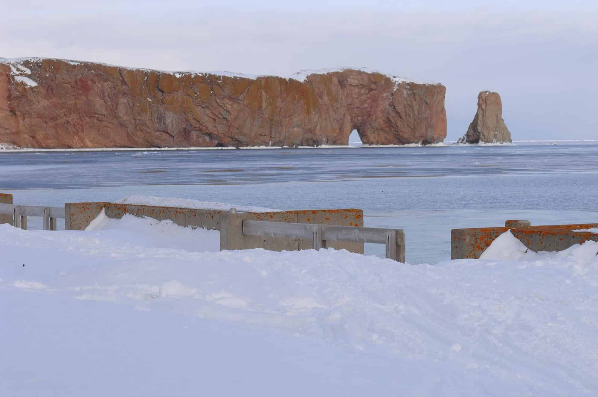 rocher Percé en hiver