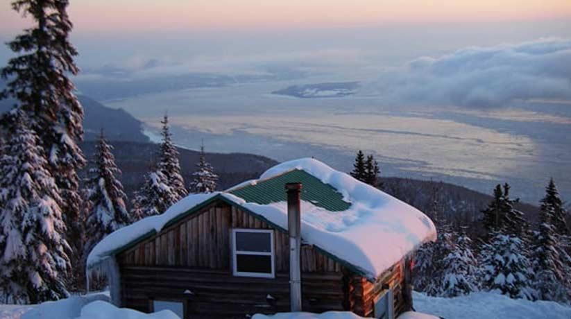chalet dans la neige quebec