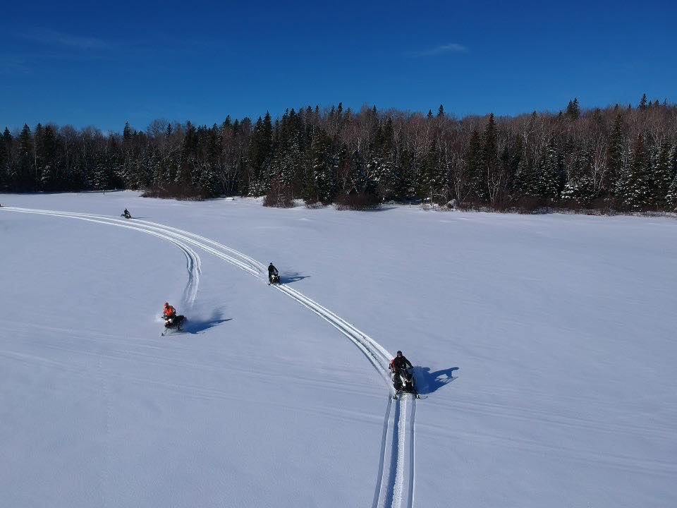 motoneige lac gelé