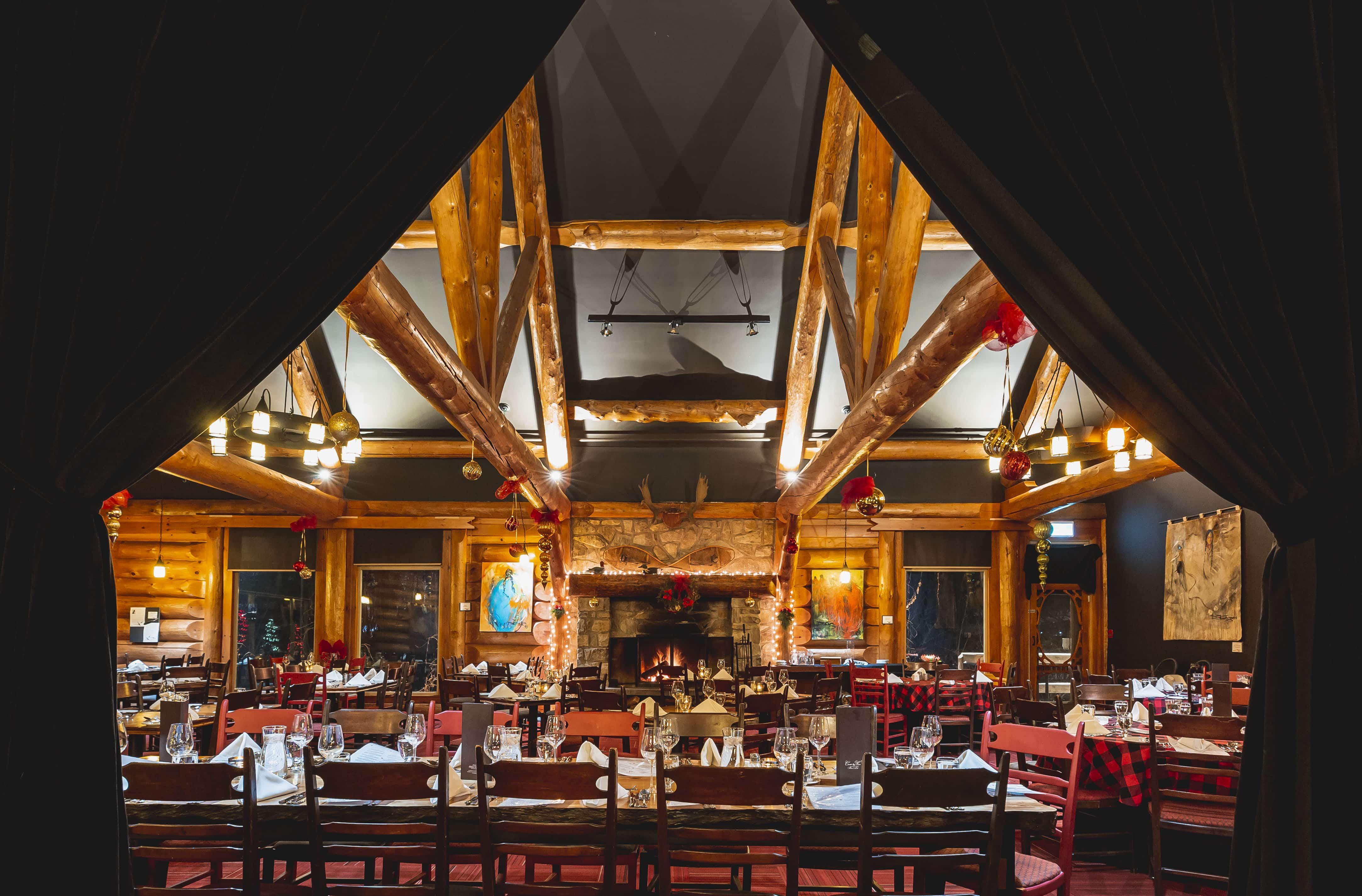 salle a manger Auberge lac taureau
